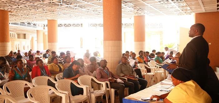 Mwenyekiti wa TUGHE-Tawi la Ofisi ya Bunge Ndugu Chacha T. Nyakega akifafanua Jambo mbele ya Wanachama wa TUGHE (Watumishi wote wa Bunge) wakati wa Kikao kilichofanyika Mjini Dodoma.